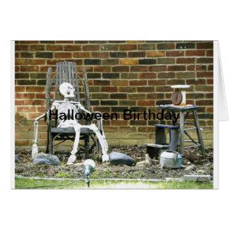 Aniversário de esqueleto do Dia das Bruxas Cartoes