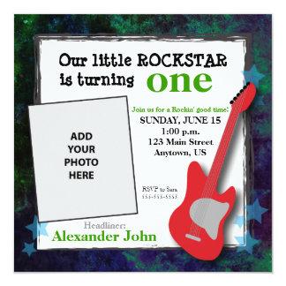 Aniversário de Rockstar da guitarra & do menino Convite Quadrado 13.35 X 13.35cm