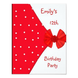 Aniversário do arco bonito branco vermelho do convite