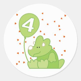 Aniversário do bebê de Dino 4o Adesivo Em Formato Redondo