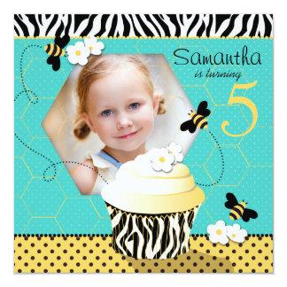 Aniversário do cupcake da abelha do aniversário convite personalizado