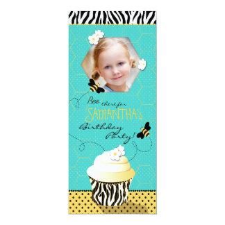 Aniversário do cupcake da abelha do aniversário convite 10.16 x 23.49cm