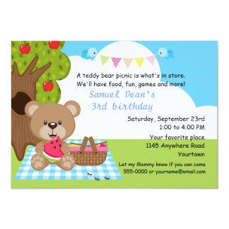 Aniversário do piquenique dos meninos do urso de convite