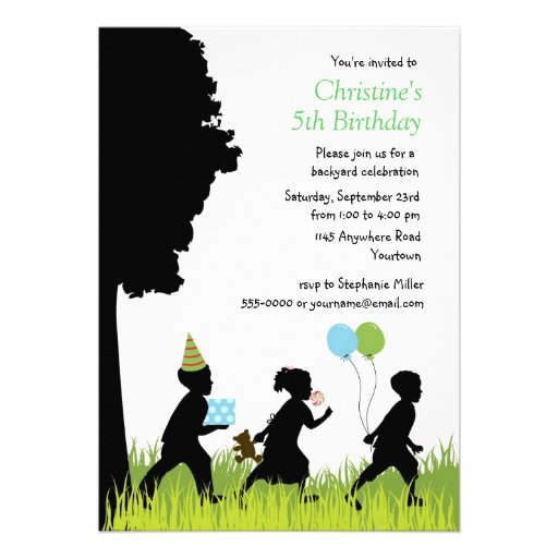 Aniversário do quintal da silhueta das crianças convite personalizados