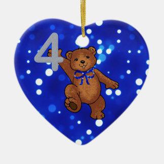 Aniversário do urso de ursinho 4o para o menino ornamento de cerâmica coração