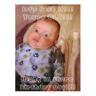 Aniversário engraçado cartão-sobre o monte cartão postal