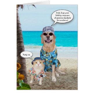Aniversário engraçado do Hawaiian do cão/laboratór Cartao