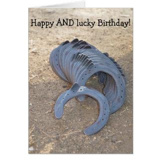 Aniversário feliz E afortunado: Cartão com