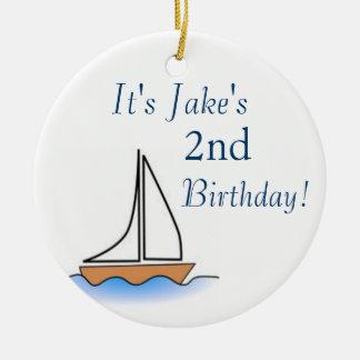 Aniversário náutico do veleiro de Litte Ornamento De Cerâmica Redondo