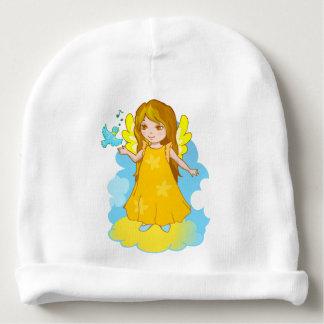 Anjo bonito dos desenhos animados em uma nuvem com gorro para bebê