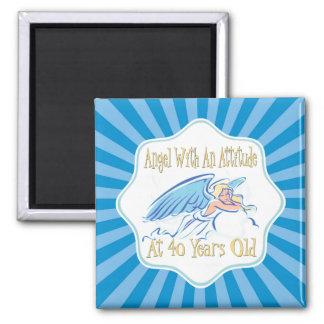 Anjo do aniversário de 40 anos com uma atitude ímã quadrado