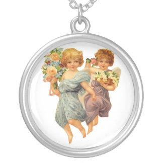 Anjos e flores bijuteria personalizada