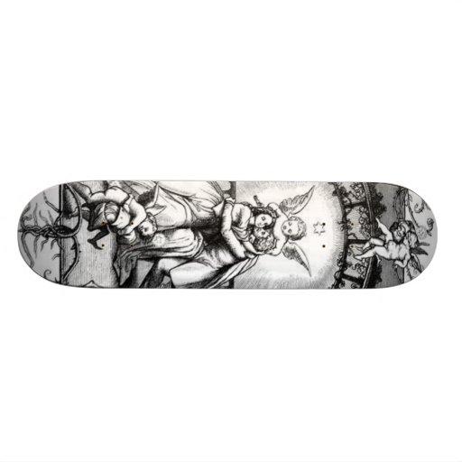 Anjos que jogam em torno do casal dos namorados skateboard