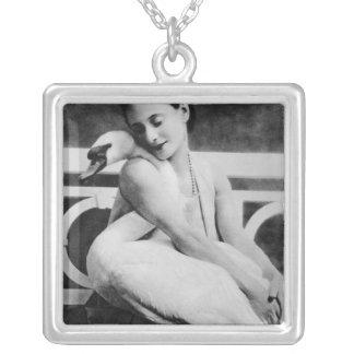 Anna Pavlova com sua cisne Jack do animal de estim Colar Banhado A Prata