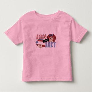 Annie ama o camiseta e os presentes de Andy