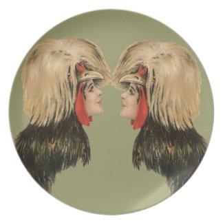 Antiguidade da mulher do chapéu do pássaro da mant louças de jantar