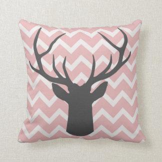 Antlers dos cervos com motivos cor-de-rosa macios almofada
