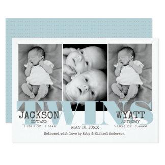 Anúncio azul bonito do nascimento dos gêmeos dos