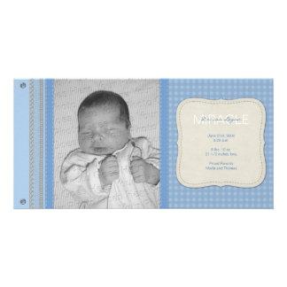 Anúncio azul do nascimento do vintage do guingão cartão com foto personalizado