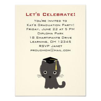 Anúncio cinzento da graduação do gatinho convites personalizados