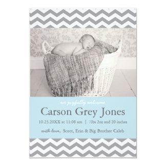 Anúncio cinzento do nascimento do bebé de Chevron Convite 12.7 X 17.78cm