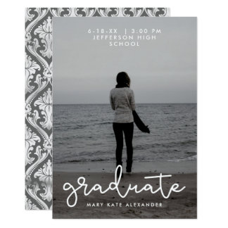 Anúncio cinzento e branco da foto da graduação