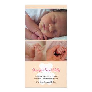 Anúncio do nascimento do bebê do montagem do rosa  cartão com foto