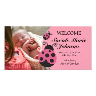 Anúncio do nascimento do joaninha do bebé cartão com foto