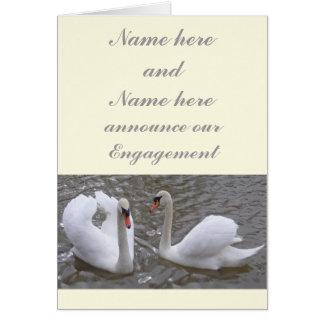 Anúncio do noivado do casal da cisne cartão comemorativo