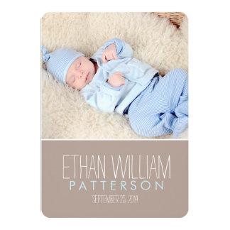 Anúncio doce & moderno do nascimento do bebé convite personalizado
