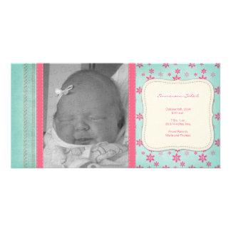 Anúncio floral cor-de-rosa do nascimento do vintag cartão com foto