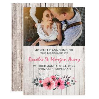 Anúncio floral de madeira rústico do casamento do