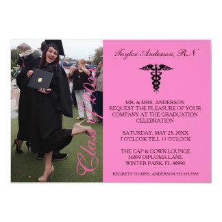Anúncio médico cor-de-rosa da graduação da escola convite 12.7 x 17.78cm