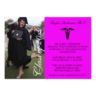 Anúncio médico roxo da graduação da escola do RN Convite 12.7 X 17.78cm