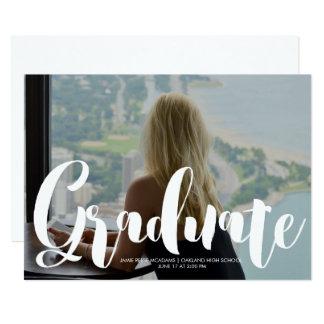 Anúncio minimalista da graduação da foto