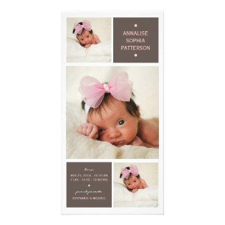 Anúncio moderno do nascimento do bebé da foto do t cartoes com foto
