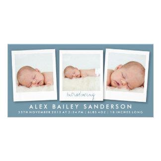 Anúncio novo cinzento azul escuro do bebê com 3 cartão com foto