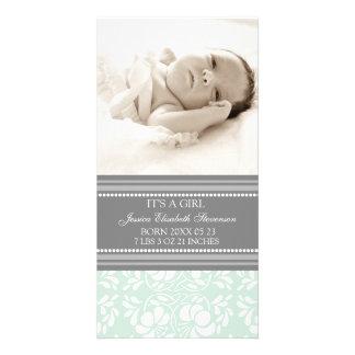 Anúncio novo do nascimento do bebê do modelo cinze cartão com foto