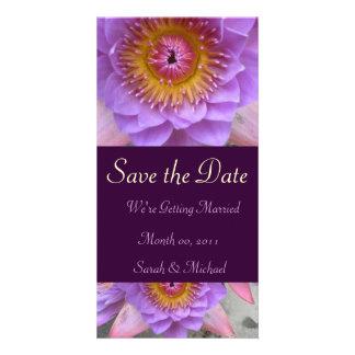 Anúncio roxo do casamento da flor de Lotus Cartoes Com Foto Personalizados