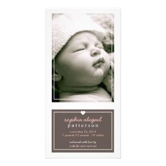 Anúncio simples moderno Brown do nascimento do beb Cartao Com Foto Personalizado