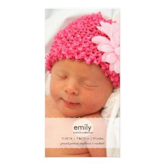 Anúncio simplesmente moderno do nascimento da foto cartão com foto