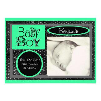 Anúncios verdes brancos pretos da foto do bebé convites