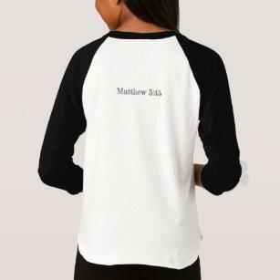 Apenas camisa injusta das meninas