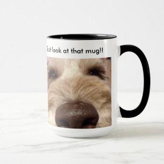Apenas olhe essa caneca, caneca de café.