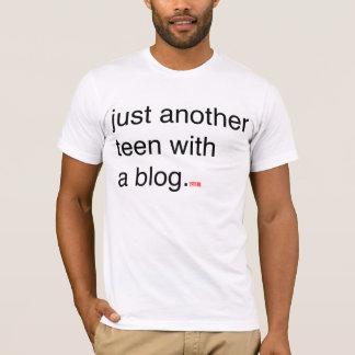 apenas outros adolescentes com um blogue camiseta