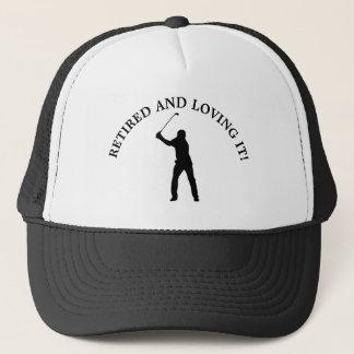 Aposentado e amando o boné Golfing