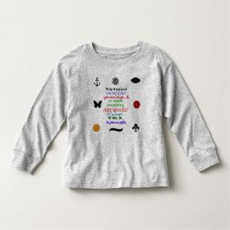 Apronte para personalizar a camisa longa do bebê