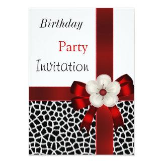 Arco branco preto vermelho da festa de aniversário convites personalizados