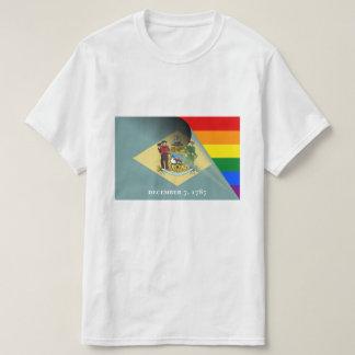 Arco-íris do orgulho gay da bandeira de Delaware Camiseta