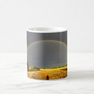 Arco-íris e sombra caneca de café